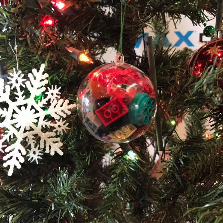 Make & Take LEGO Christams Ornament Build #3