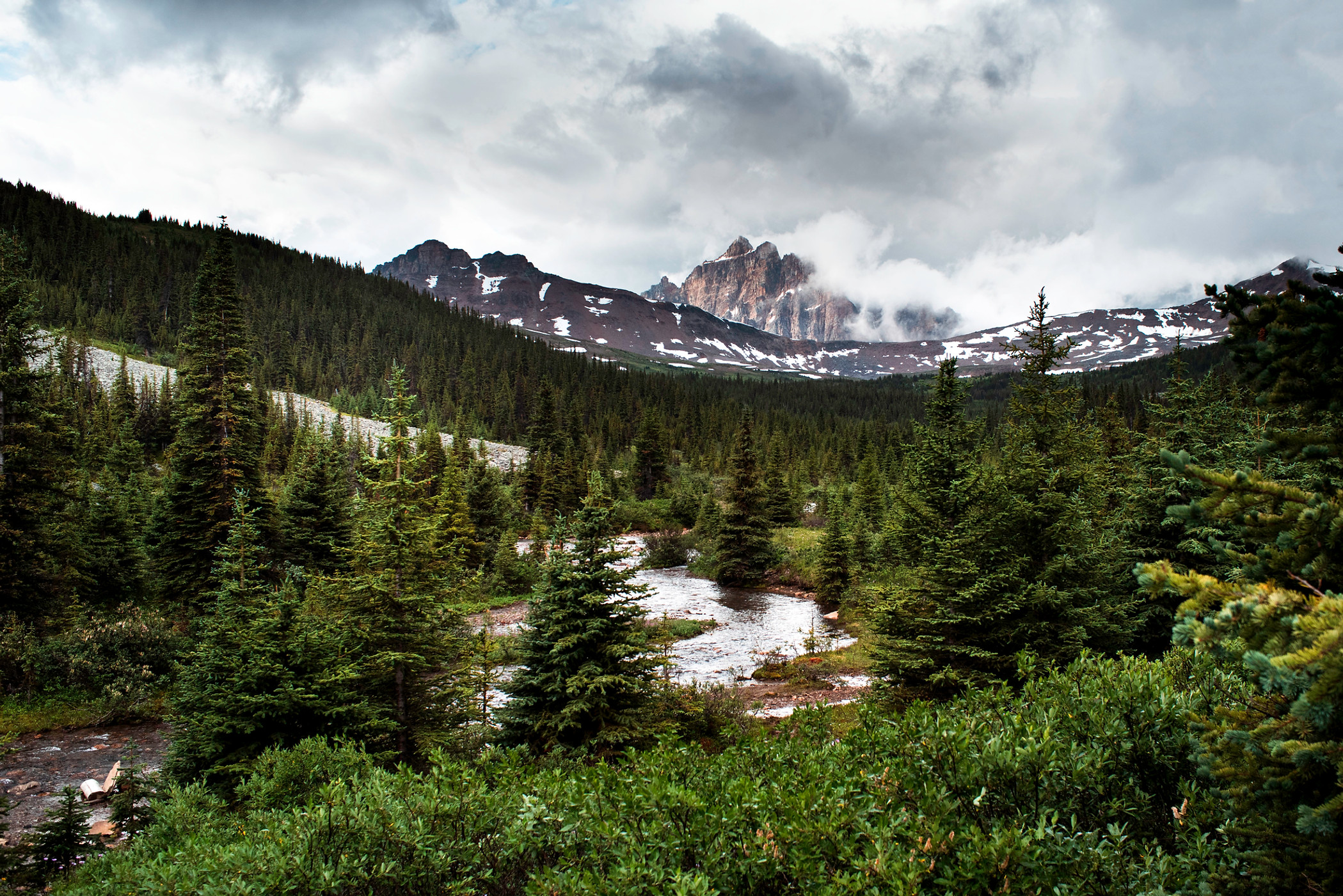 Mount Clitheroe in Tonquin Valley