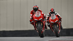 Panigale-V4R-Red-MY19-Ambience-11-Galler