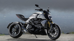 Diavel-1260-S-MY19-Ambience-08-Gallery-1