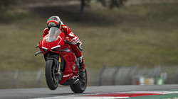Panigale-V4R-Red-MY19-Ambience-12-Galler