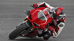 Panigale-V4R-Red-MY19-Ambience-09-Galler