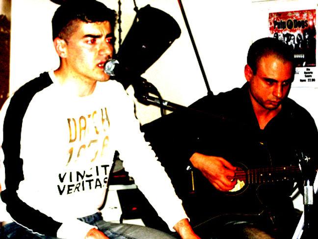 Bologna cafè cortile 12-05-07 con Diego