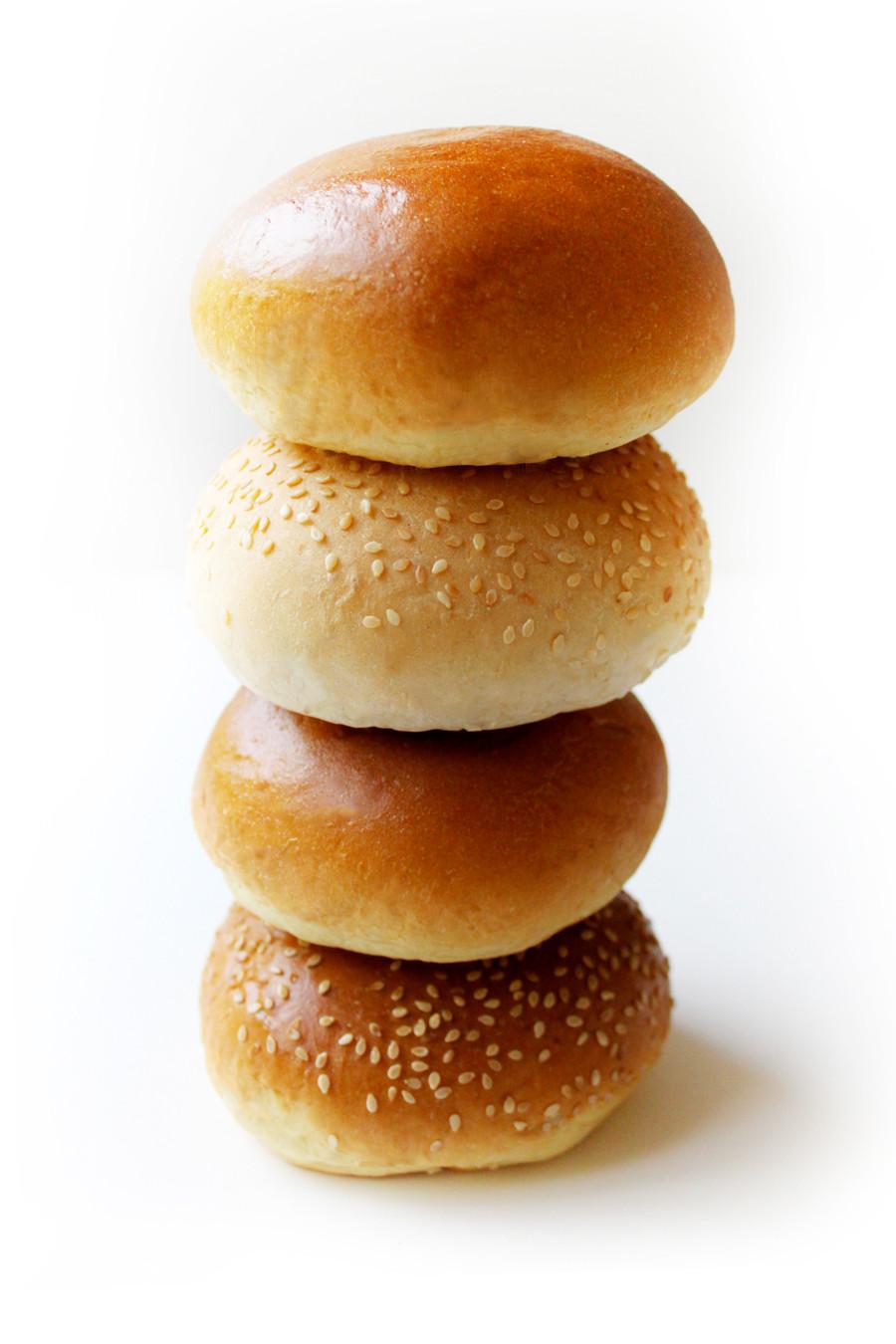 4 BF Burger bun stack 900A.jpg