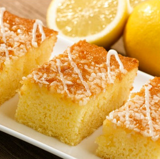Beautiful lemon drizzle cake...