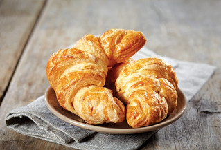 Add some indulgence to your morning menu with our mouth watering viennoiserie & danish pastries
