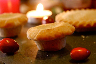 Our melt-in-the-mouth mini mince pies are beautiful, and their dainty size makes them perfect for ch