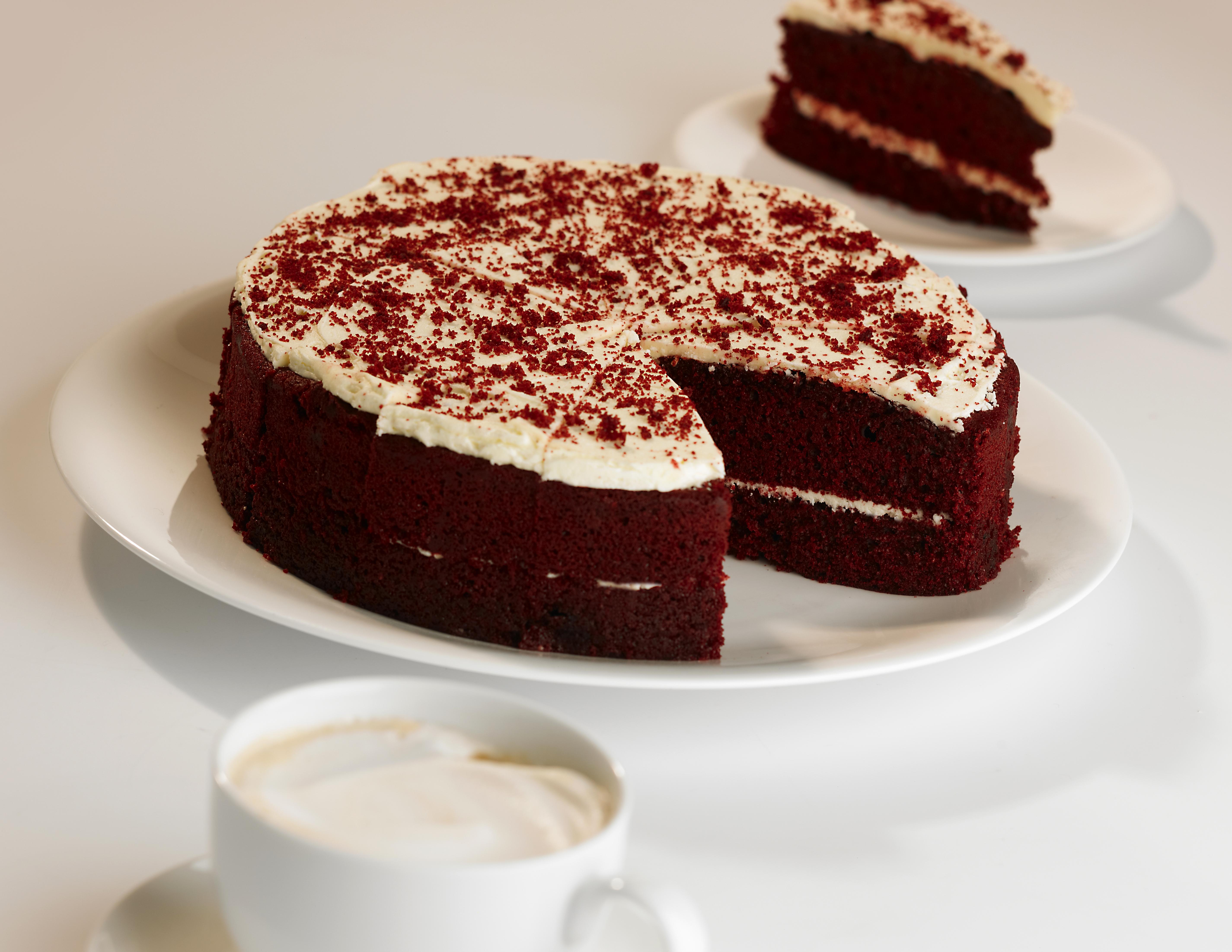 HCC073779 Red Velvet Round Cake
