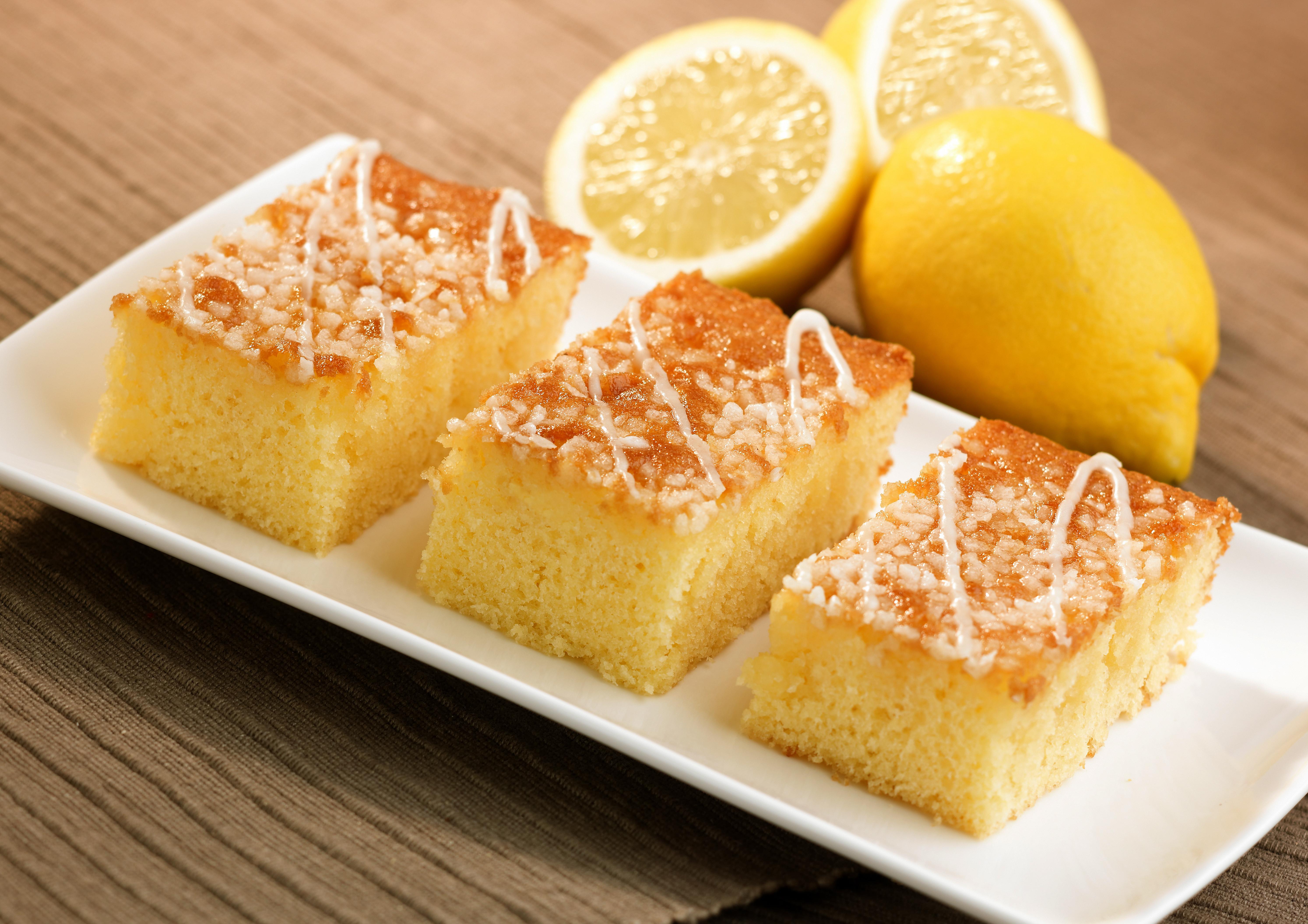 HCC070259 Lemon Drizzle Traybake