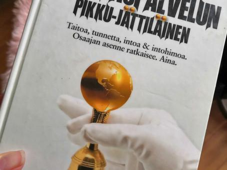 Kirjat: Lundberg, Töytäri - Asiakaspalvelun Pikku-Jättiläinen