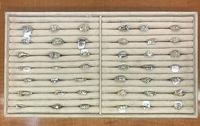 gold women's rings