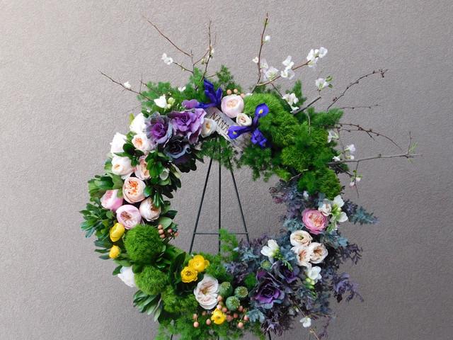 funeral flowers. sympathy easel wreath