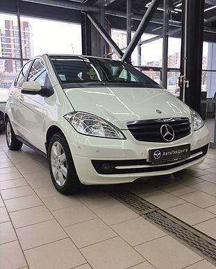 Mercedes%20A180_edited.jpg