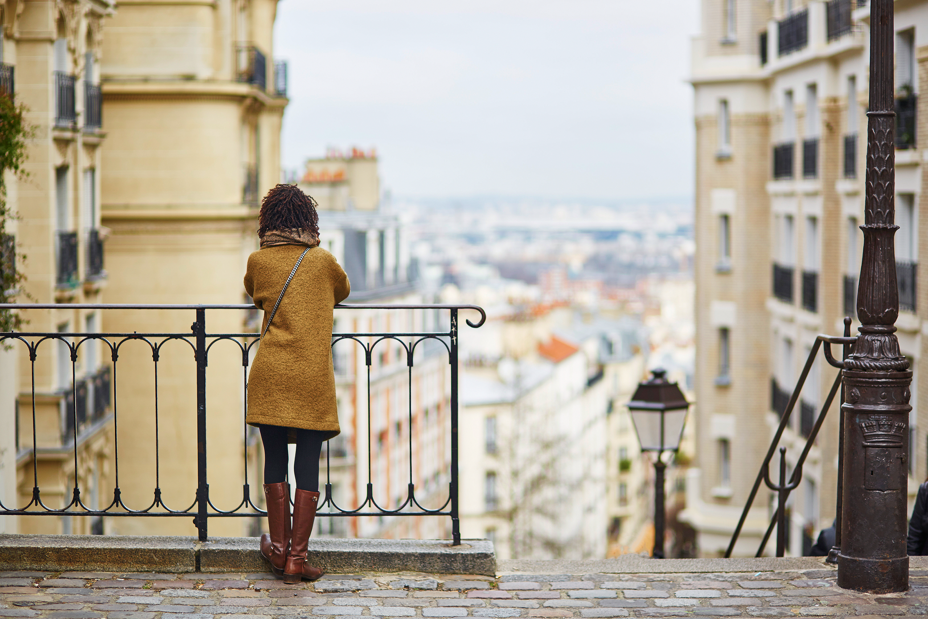 solo travel for women to Paris