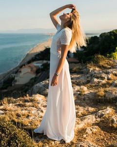 Une femme, un jour, une robe. 🇫🇷 📸 _