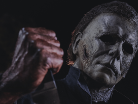 IMAGE | Get a Look at Michael Myers as he Wields a Bloody Knife in 'Halloween Kills'!