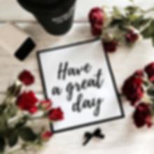 дизайн студия, декор, авторская полиграфия, стиль, декор, раскладка, открытка, стильная открытка, пространство, украшение пространства, розы, красные розы, доски, белые доски, аксессуары, have a great day, coffee,