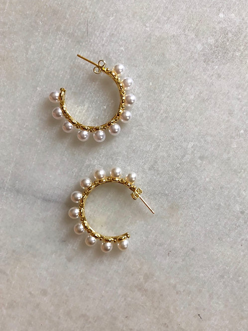 STUDDED PEARL HOOPS