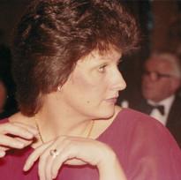 1983_–_Ladies_Night_003.jpg