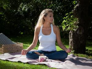 Forårs-yoga tirsdag d. 11 april.