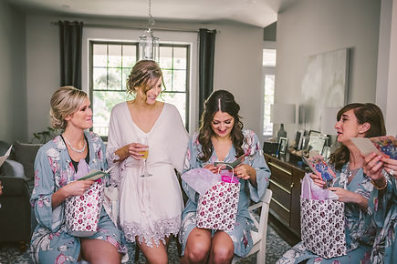 Ottawa bride getting ready bridesmaids