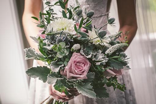 Ottawa weddin bride flower bouquet