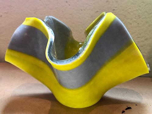 "Grey & yellow flop dish 8"" (diameter) 5"" (Height)"