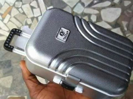 [lol]...Customer orders suitcase from Jumia, see what he got[Photos]