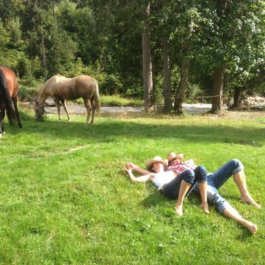 Break for horses 'n riders