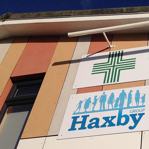 HaxbySurgerySignSq.jpg