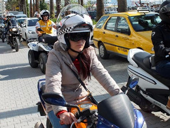 Cervical spine injury reduced risk to use with helmet during motorcycle crashes
