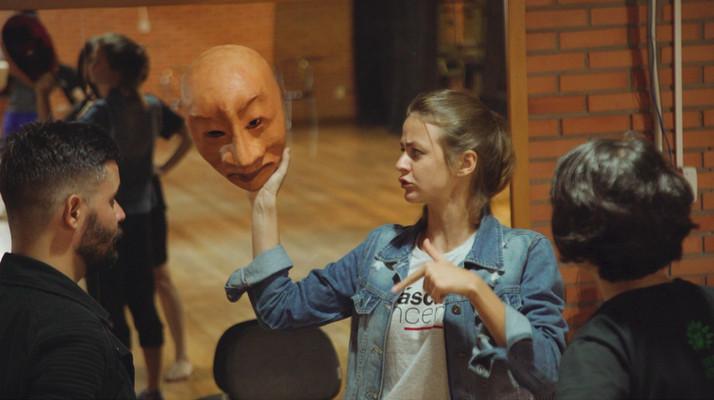 Oficina Corpo-Máscara