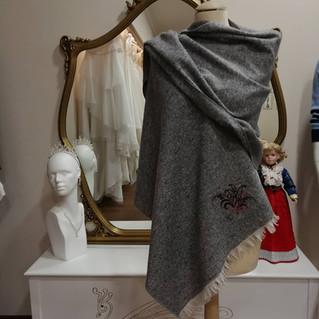 """Idea regalo: la maxi sciarpa personalizzata """"Nives"""""""