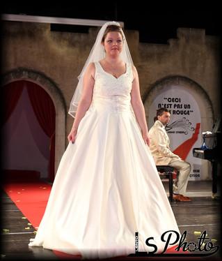 Sette abiti da sposa: sobrio, elegante e regale