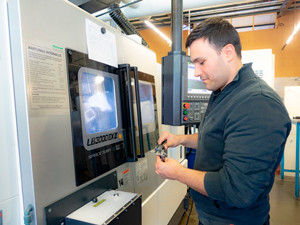 Investition in weitere OKUMA SPACE TURN LB 3000 EXII