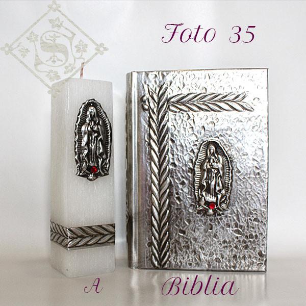 A35-Biblia 10x11x4cm Vela 4x4x15cm.jpg