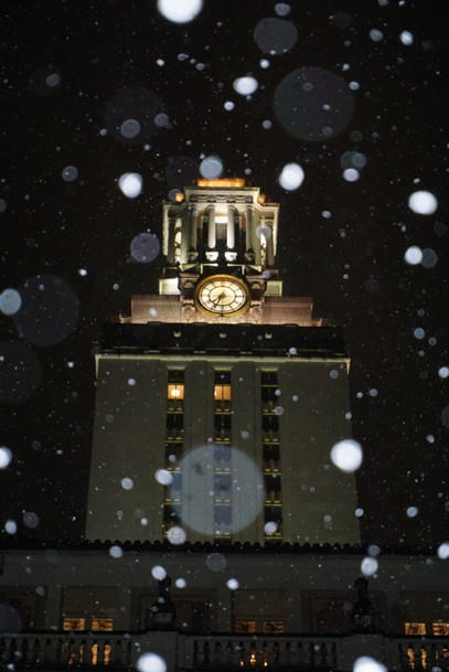 Snow at the UT Tower