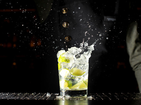 Lær at lave Brasiliens national drink - Caipirinha!