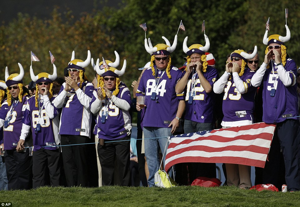 Great Pic with Flag_NFL_Minnesota_Vikings_fan