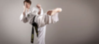 Taekwondo_kick_thinnerlowsat_lolo-res.jp