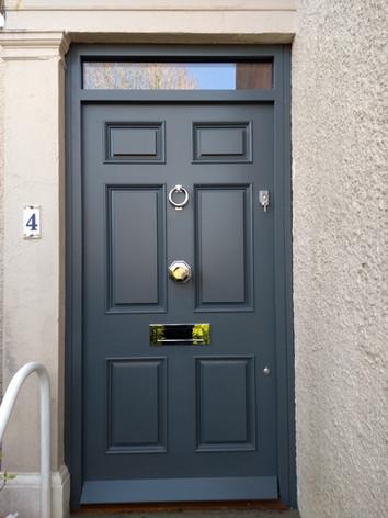 Bainbridge door