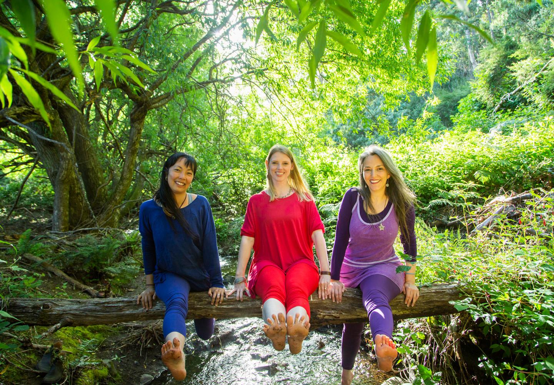 Bija Yoga Tasmania / Hobart / Pema Choo / Holli Gipson / Jen Van-Achteren / river / water/ balance / nature / lush / flowing / feet / harmony