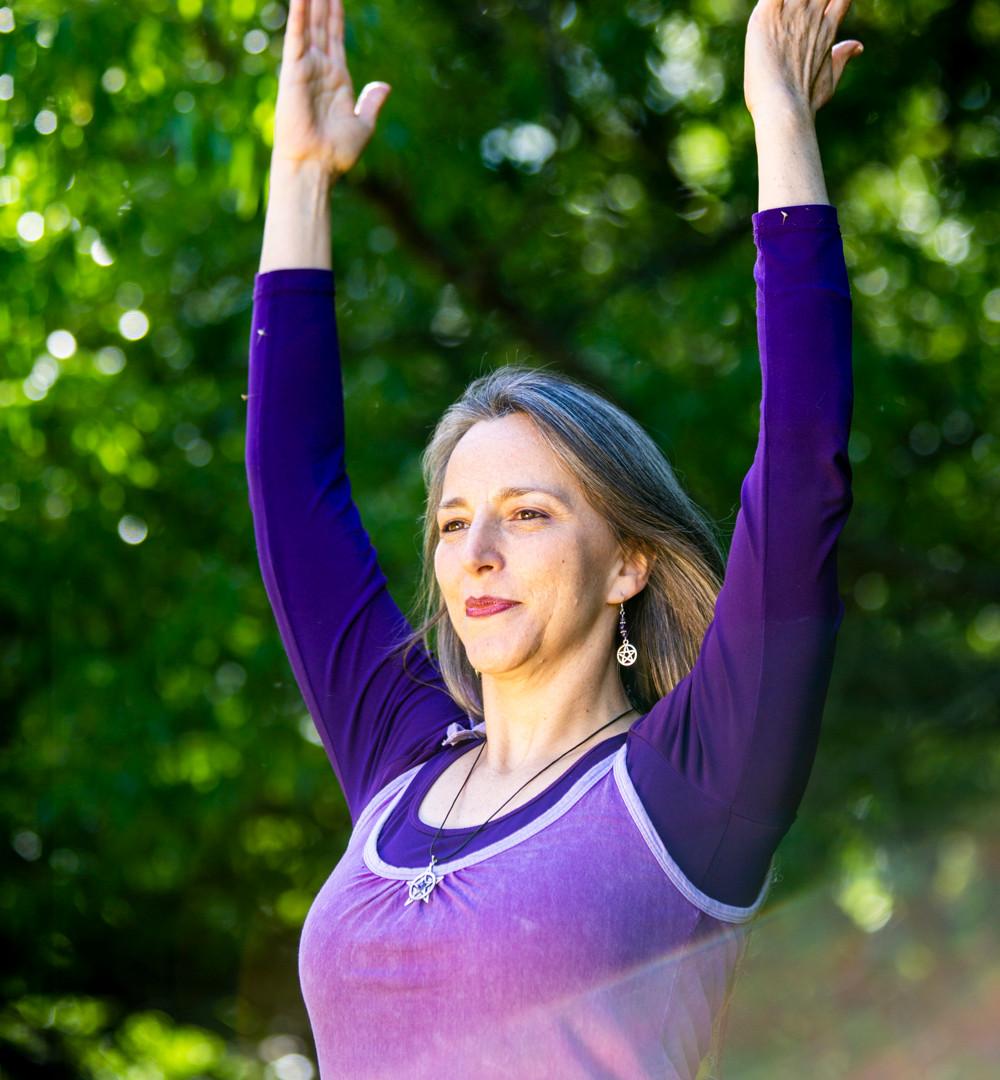 Bija Yoga Tasmania / Hobart / Jen Van-Achteren / Hastasana / extension / lift / opening / focus