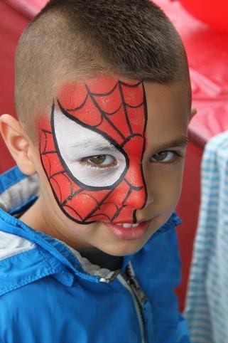 Turning into Spiderman! #spidermanfacepaint