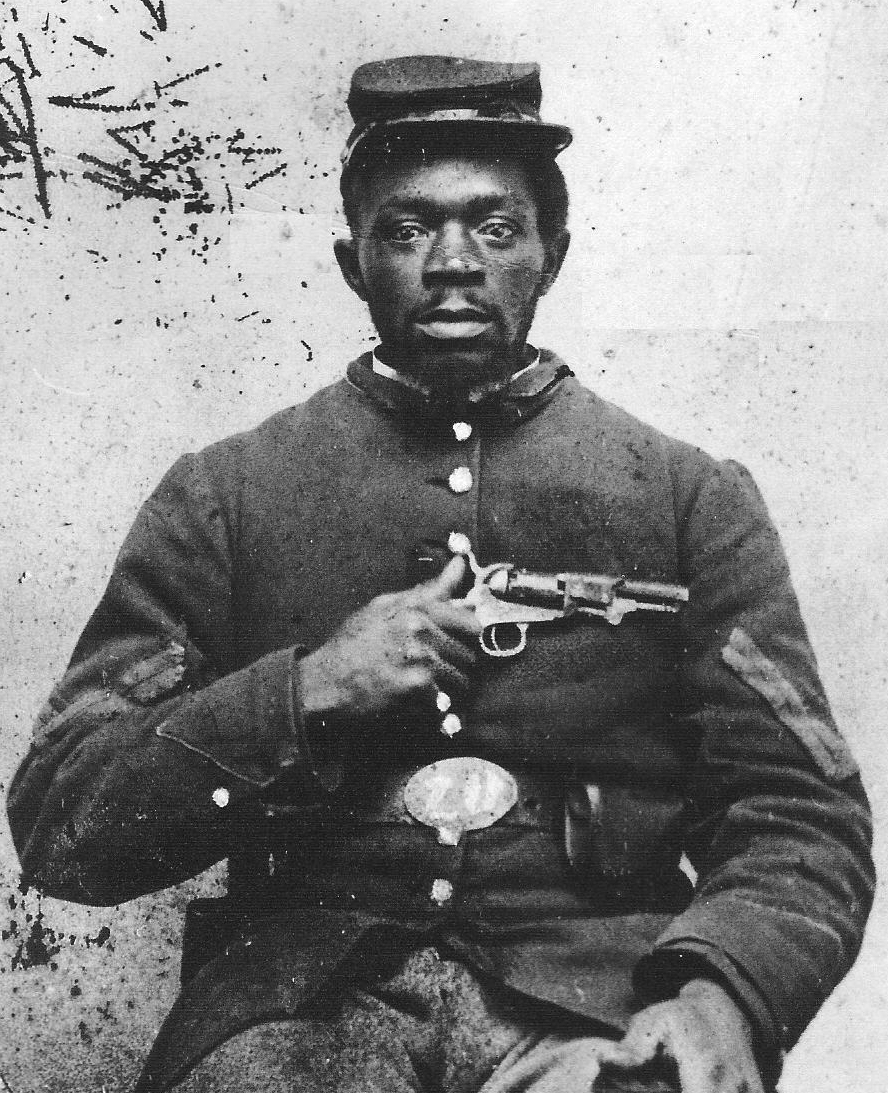 USCT soldier holding his gun