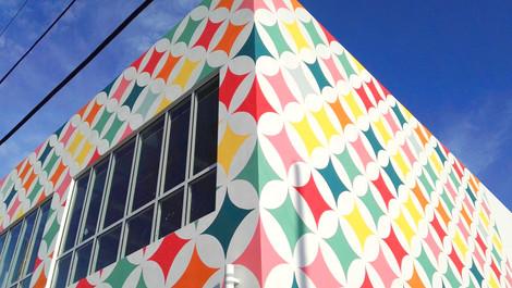 Multicolor Diamonds Mural Façade