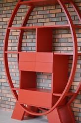 Bibliothèque laquée rouge