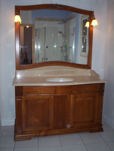 Salle de bain merisier, plan de vasque en marbre