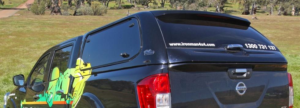 Nissan NP300 FG Pinnacle Canopy.jpg