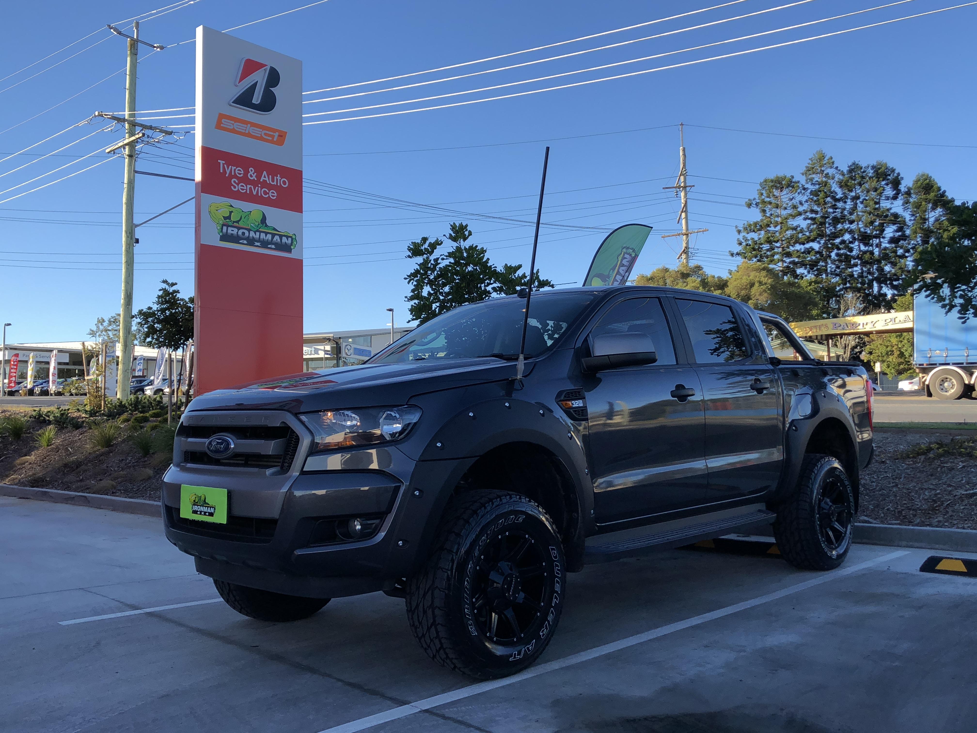 Ford Ranger w/ Flares